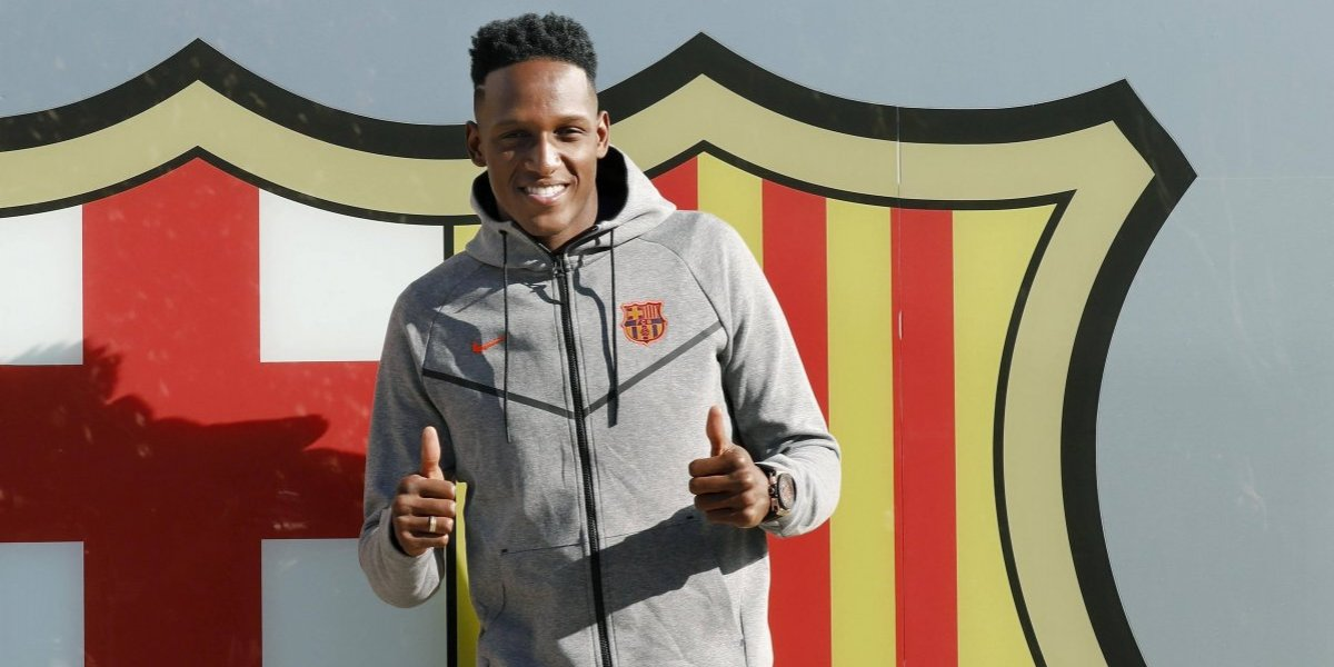 ¿Por qué Yerry Mina pisó descalzo el césped del Camp Nou?