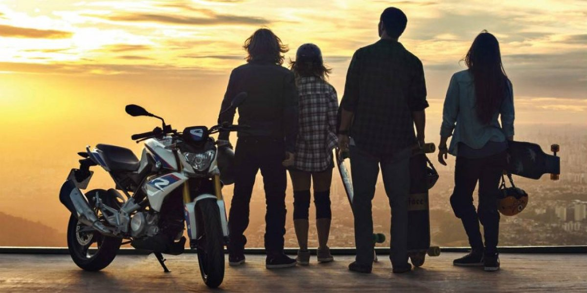 BMW Motorrad saca al pizarrón para enseñar de motos