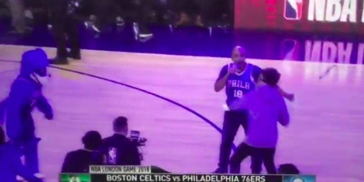 VIDEO: Equipo de NBA 'trollea' a aficionado en pleno partido