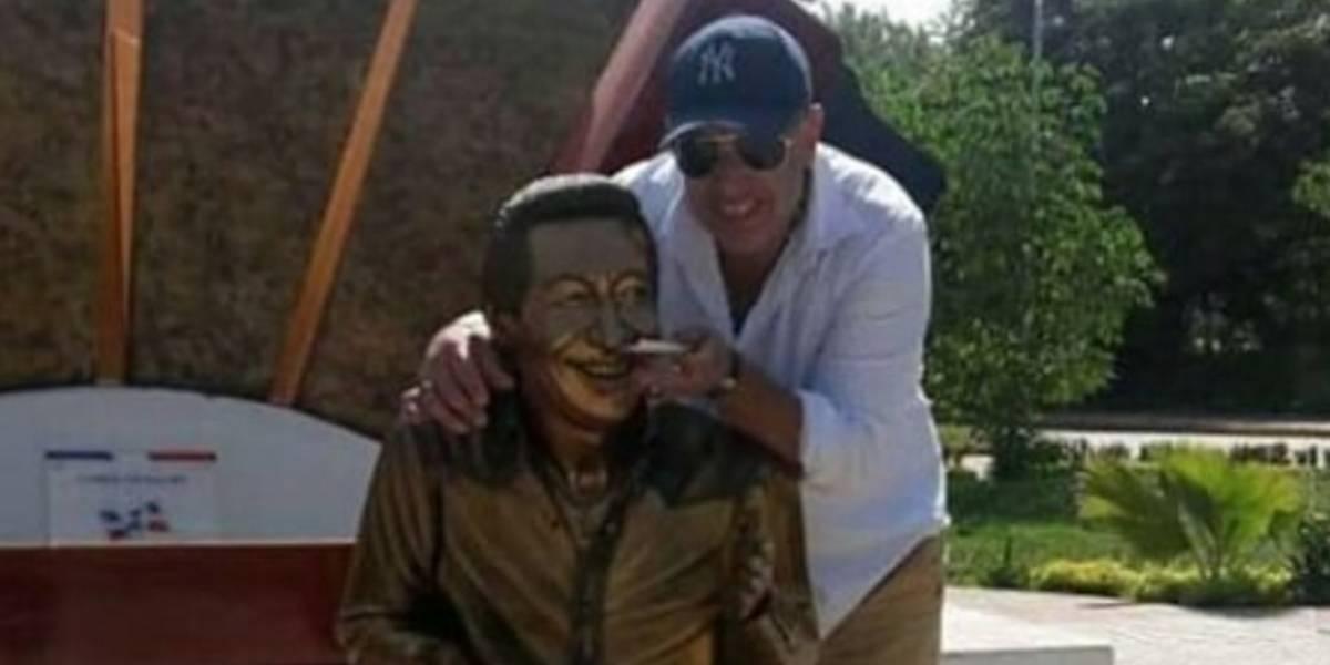 [FOTOS] Burlas a la estatua de Diomedes Díaz enfurecen a sus fanáticos