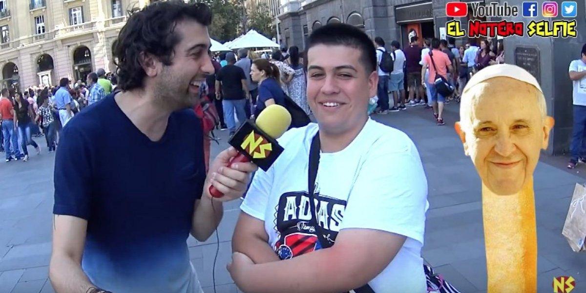 Youtuber chileno salió a las calles de Santiago a medir el clima previo a la llegada del Papa