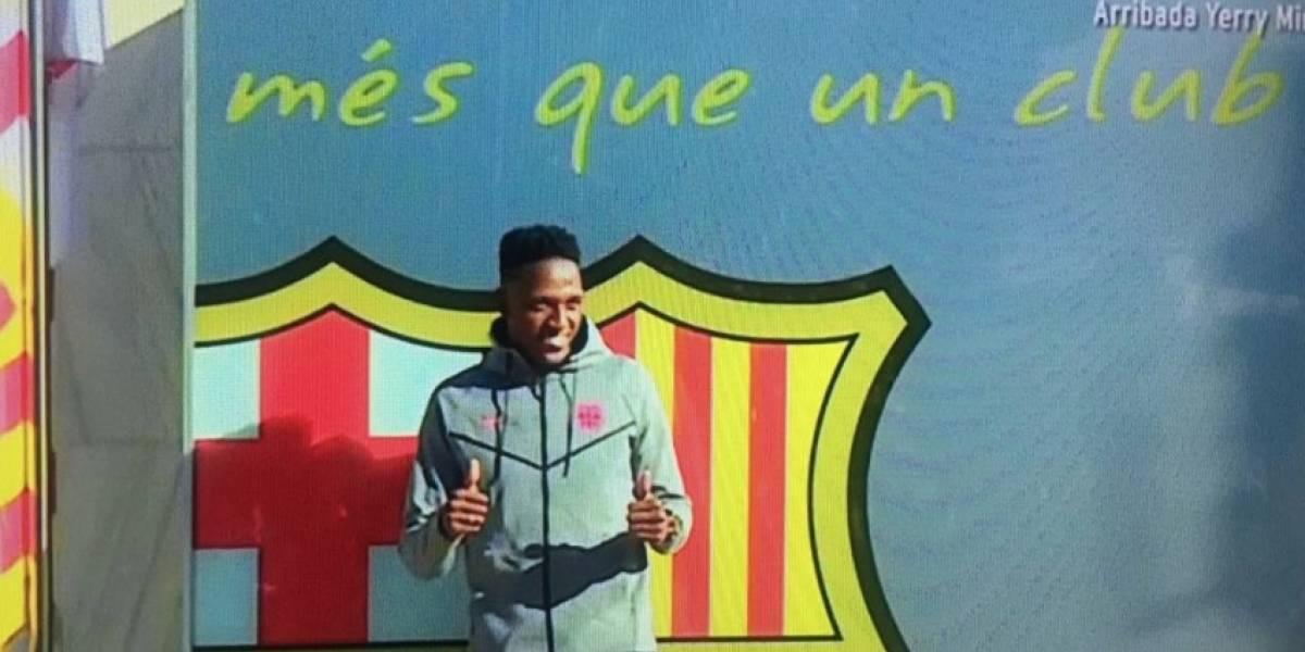Oficial: la primera foto de Yerry Mina con el escudo del Barcelona