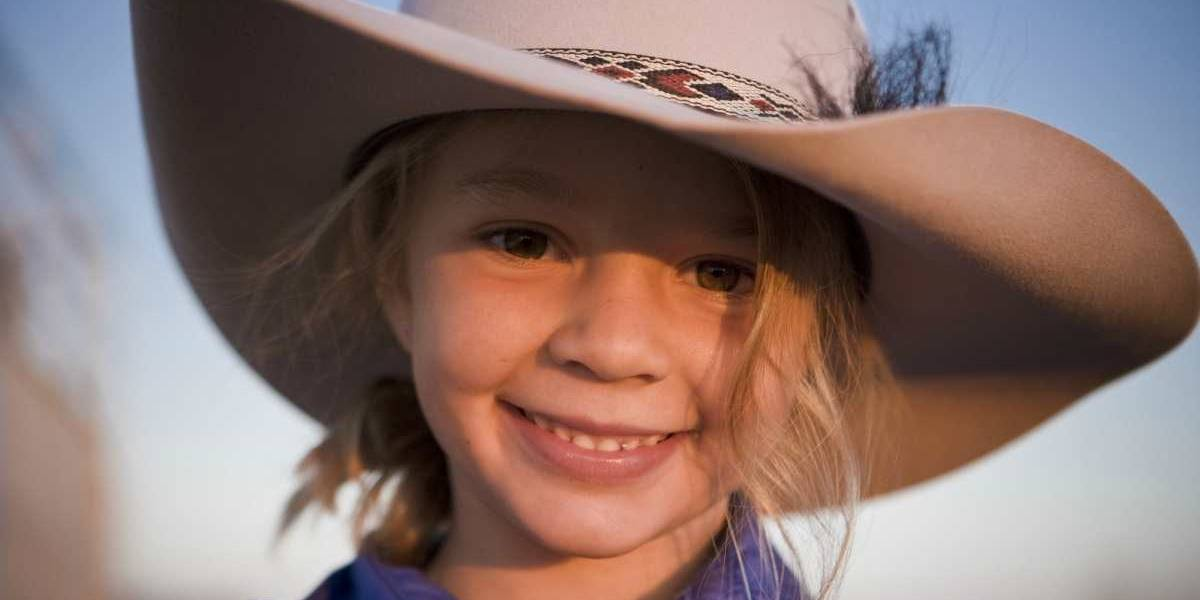 Australia: Suicidio de niña modelo fue por acoso cibernético