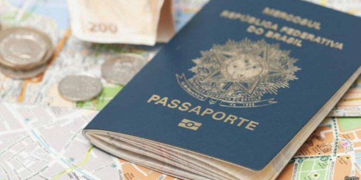 Juiz manda apreender passaporte de Lula