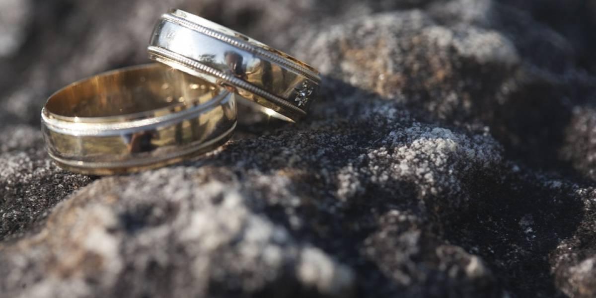 ¿Vas a casarte por el civil? Solicita la ayuda por matrimonio del IMSS