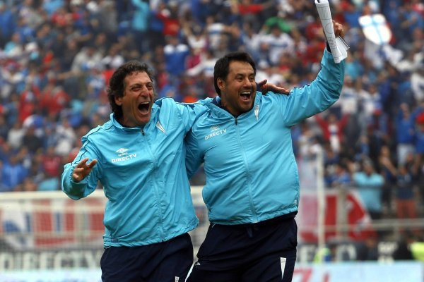 Salas y Zamora quedaron en la historia grande de la UC. Lograron un inédito bicampeonato el 2016 y ese mismo año conquistaron la Supercopa / Foto: Agencia UNO