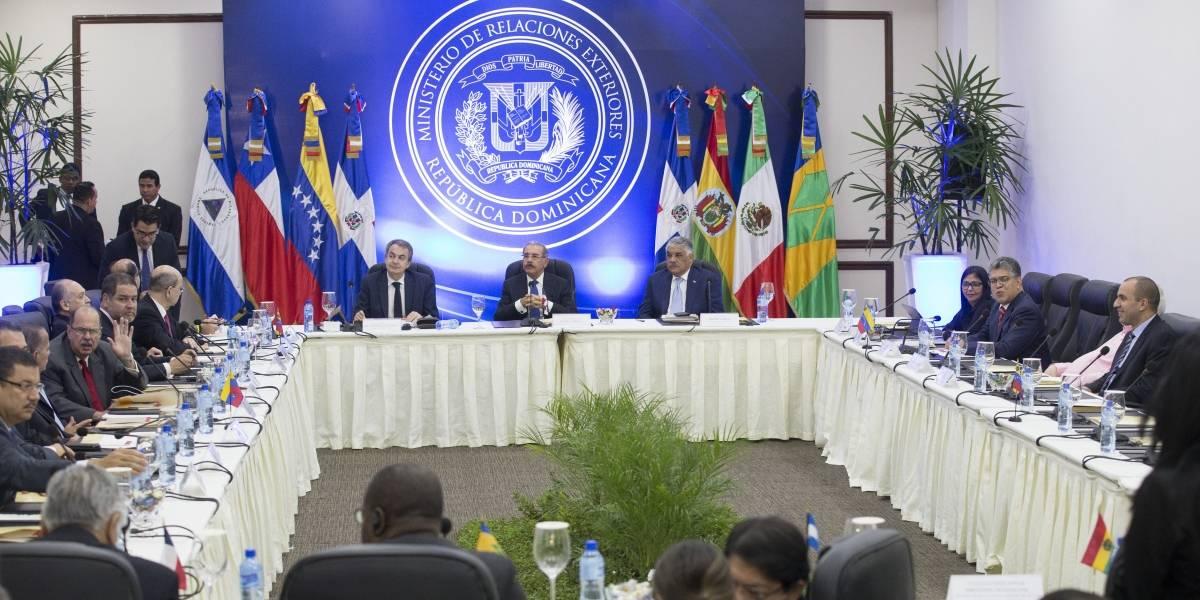 Gobierno y oposición venezolana siguen reunión en busca de un acuerdo