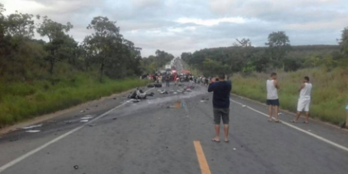 Acidente em rodovia de Minas Gerais faz 13 mortos