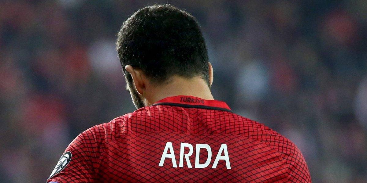 El Barcelona concreta el traspaso del turco Arda Turan