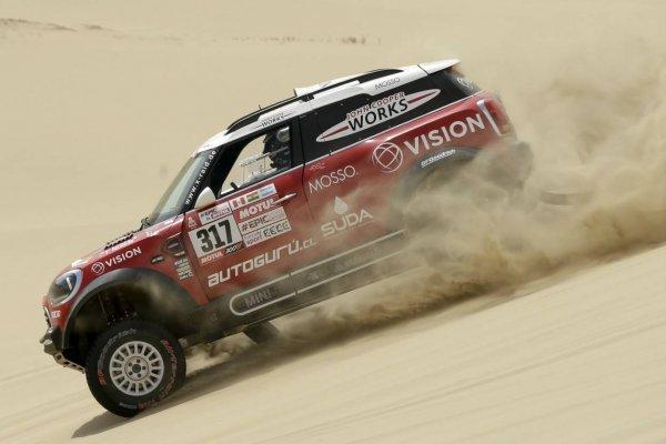 Boris Garafulic sigue firme en el Dakar 2018 / Foto: AP