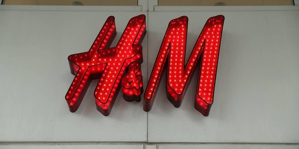 Video: tiendas de H&M en Sudáfrica son atacadas por el anuncio considerado como racista