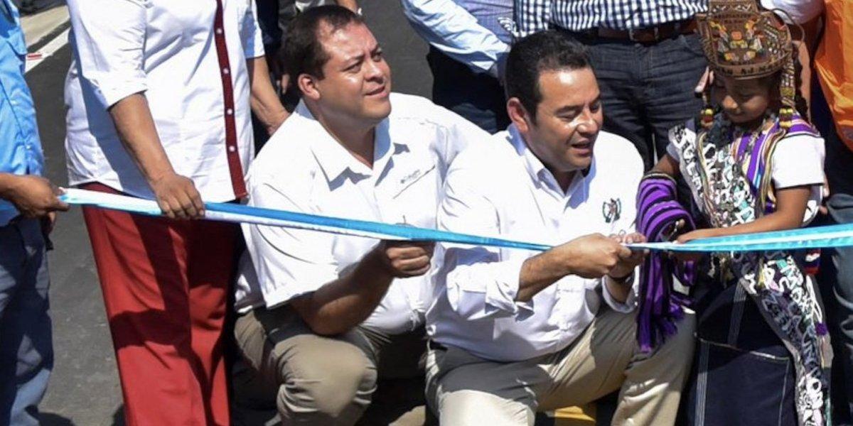 Por error, publican fotografía del presidente y el diputado Juárez