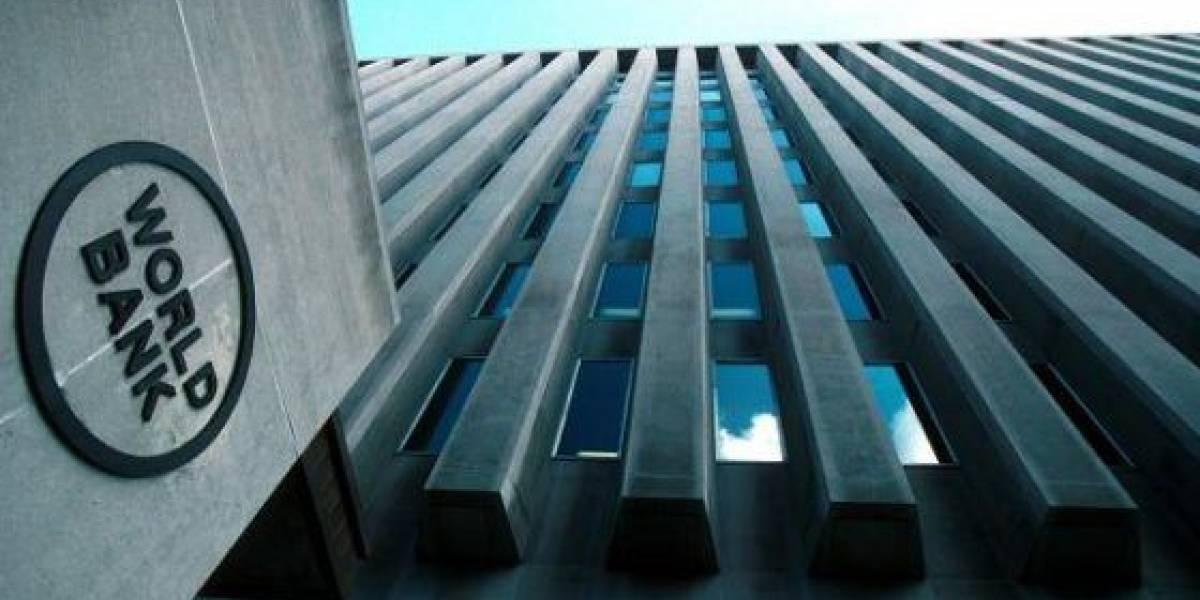 """""""¡El país no se caía a pedazos!"""": furia tuitera contra Banco Mundial por perjudicar ranking de competitividad de Chile en gobierno de Bachelet"""