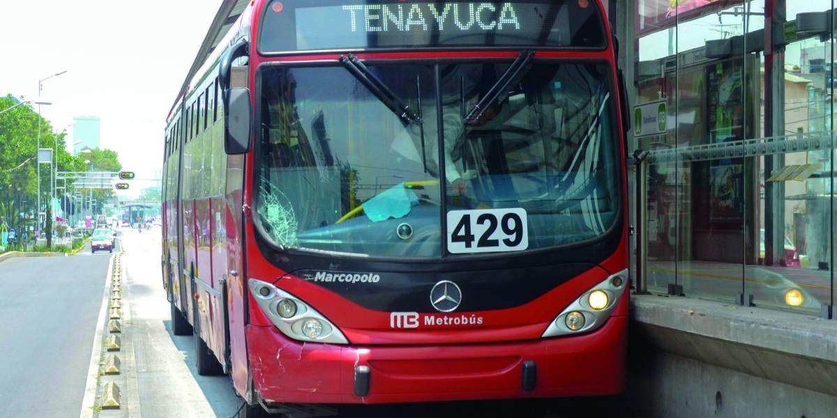Incumple Metrobús con proyecto para eficientar su consumo energético