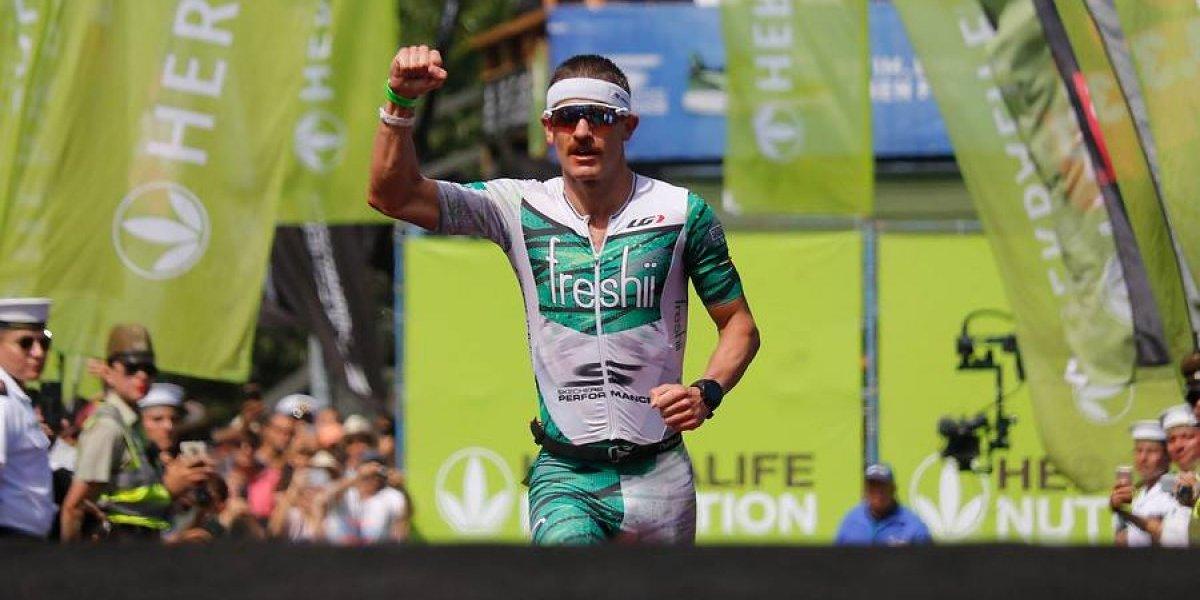 Lionel Sanders rompe todos los récords en Pucón y se corona bicampeón del Ironman