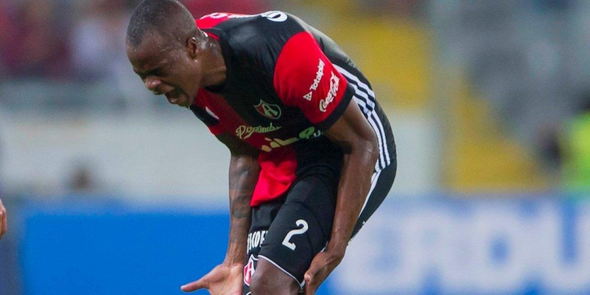 Stiven Barreiro se disculpa con su afición tras la derrota ante Pumas