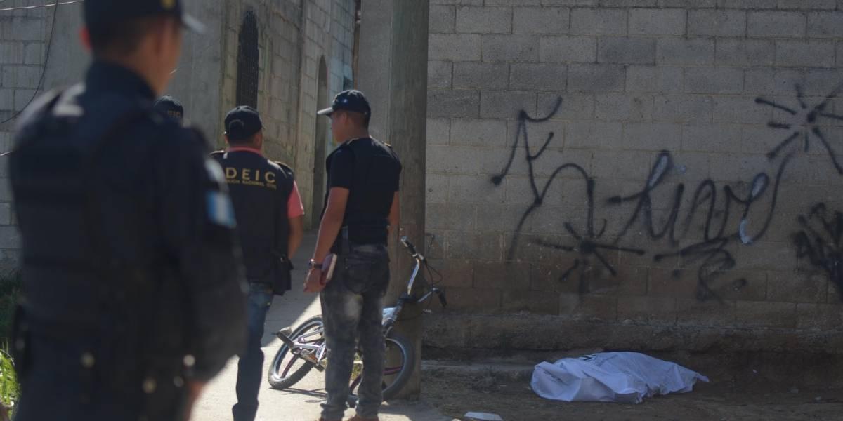 Citan a presunto pandillero y lo asesinan atrás del mercado de El Milagro