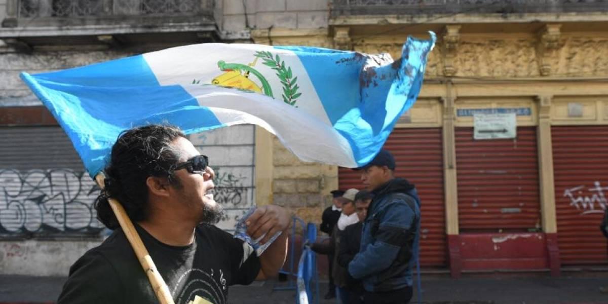 EN IMÁGENES. Manifestantes protestan a inmediaciones del Congreso