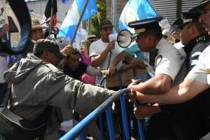 manifestantesoctavaavenida11-af4062acd99ab158949c824eebe53bc1.jpg