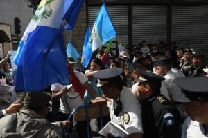 manifestantesoctavaavenida17-593476d40434c00e3b41224f1bb126c3.jpg