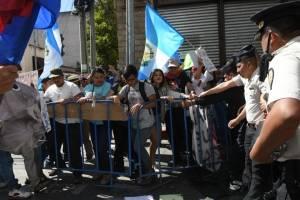 manifestantesoctavaavenida21-0ef3746ed2d24cd777172f32934e8a73.jpg