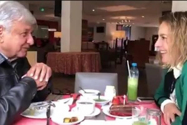 Con algo sencillo AMLO festejó a su esposa por su cumpleaños