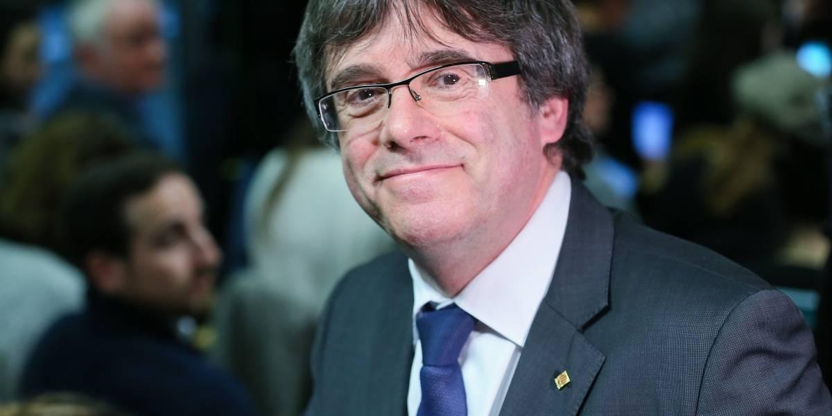 'Absurdo' que Puigdemont pretenda ser candidato a presidente de Cataluña: Rajoy