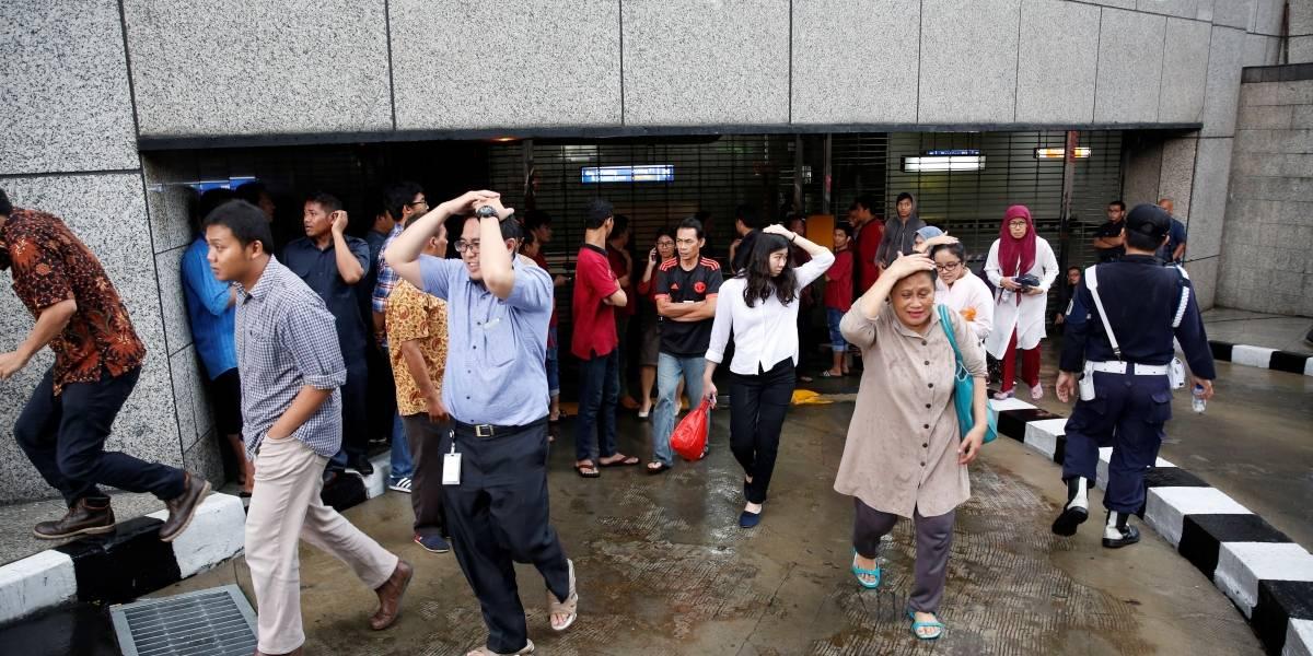 Colapso de techo en la bolsa de valores de Indonesia deja al menos 70 heridos