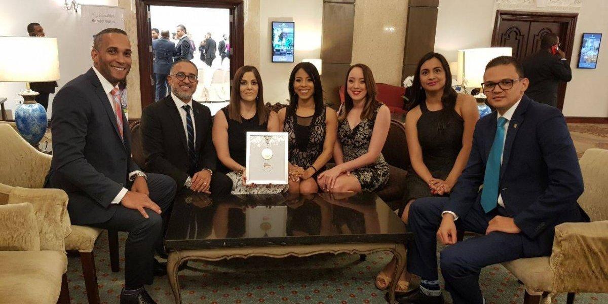 #TeVimosEn: APAP recibe la Medalla de Oro a la Calidad