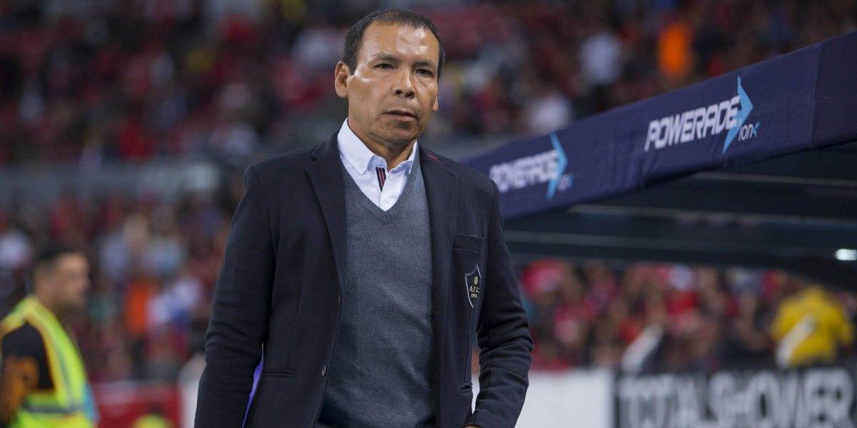 Oficial: el 'Profe' Cruz deja de ser técnico del Atlas