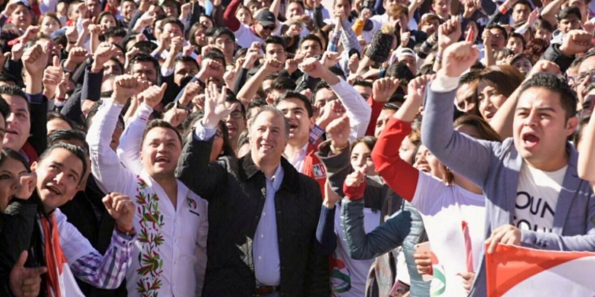 Meade se reúne con jóvenes de Pachuca