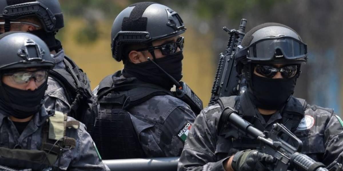 Abandonan en Veracruz camioneta con cuerpos mutilados