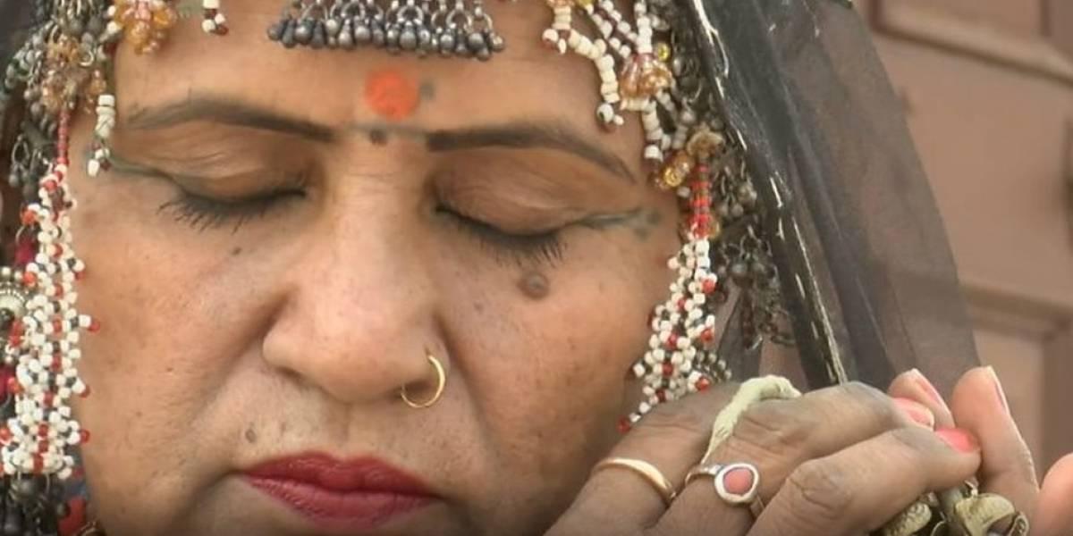 A dançarina indiana que foi enterrada viva ao nascer