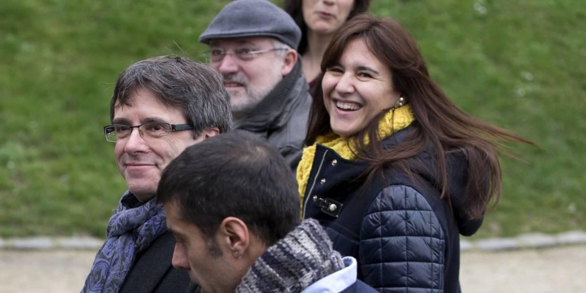 España advierte a Puigdemont que no juramente en Bruselas