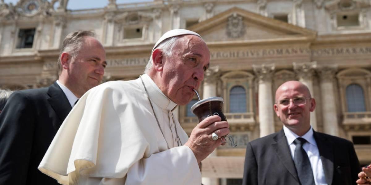 Al Papa Francisco le gusta el mate frío y en lata
