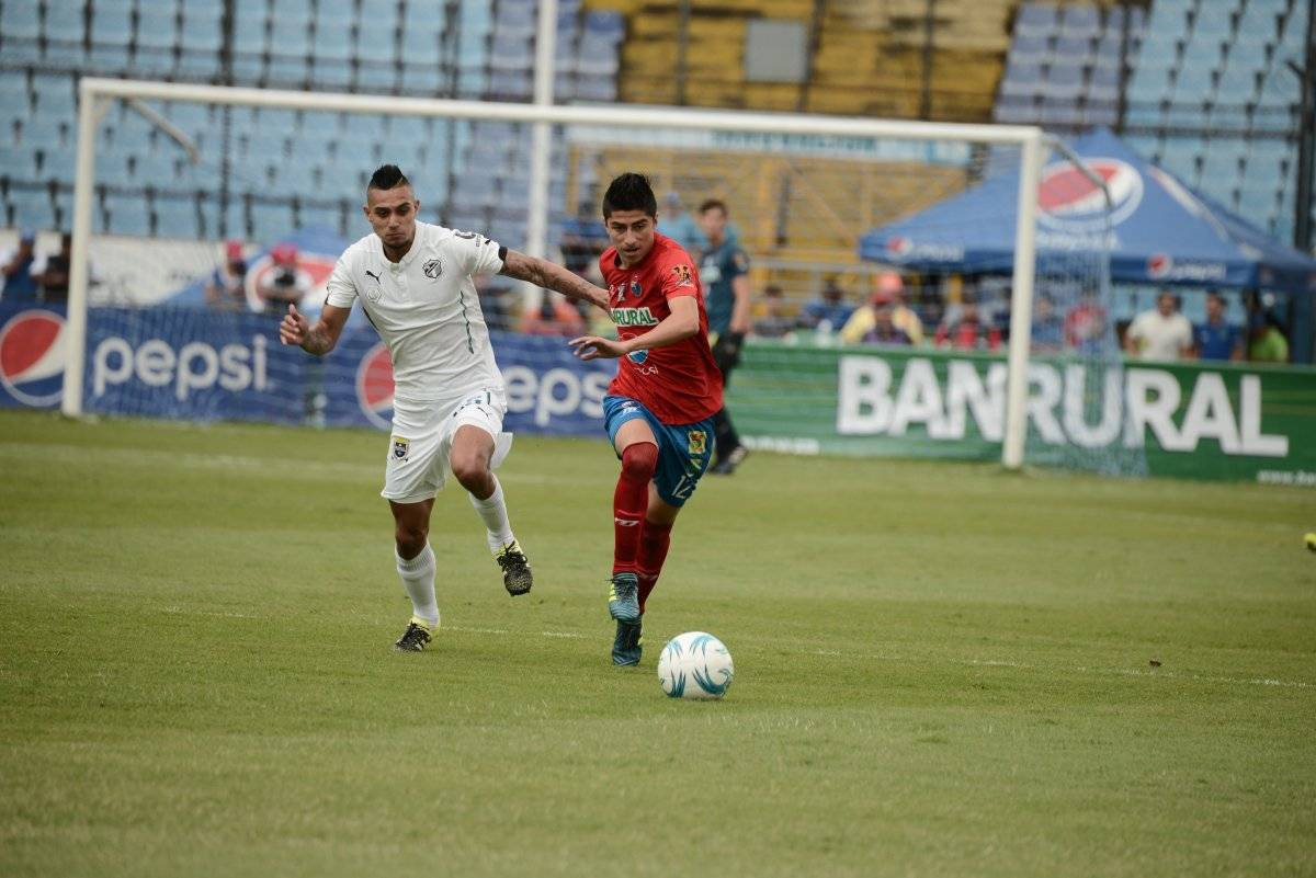 Municipal inició con triunfo el torneo, mientras que Comunicaciones con derrota.