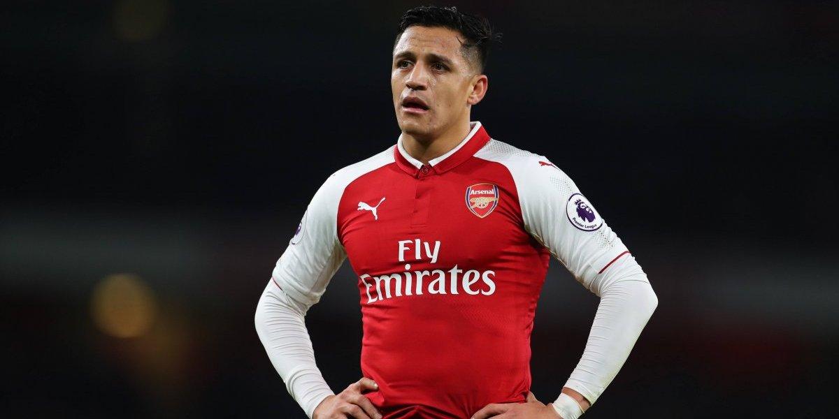 """""""Club de chiste"""": hinchas del Arsenal destrozan a Wenger por inminente venta de Alexis al United"""