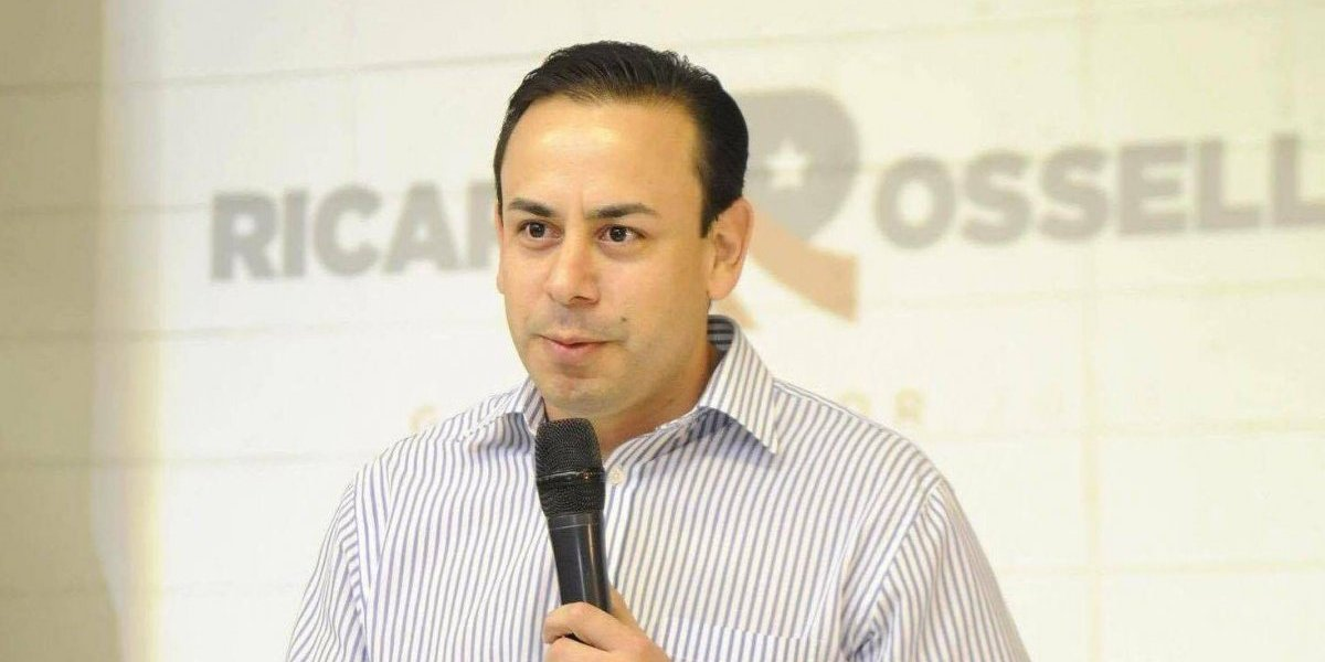 William Villafañe sale de Fortaleza a toda prisa