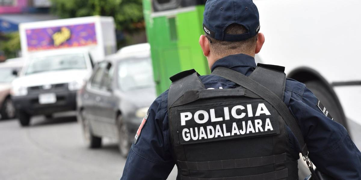 Amenazan policías con paro por trabas a la homologación