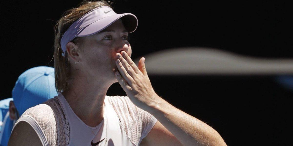 Sharapova, Kerber y Djokovic pasan de ronda en Australia