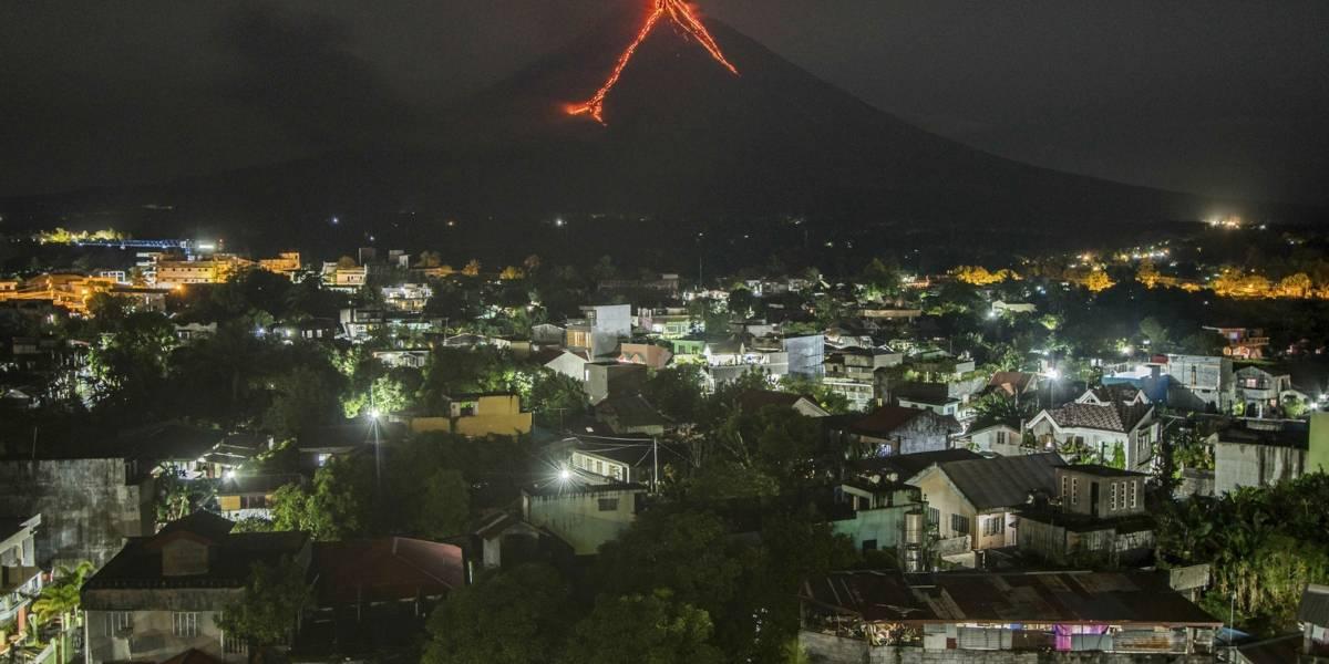 Un volcán obliga la evacuación de 34 mil personas en Filipinas