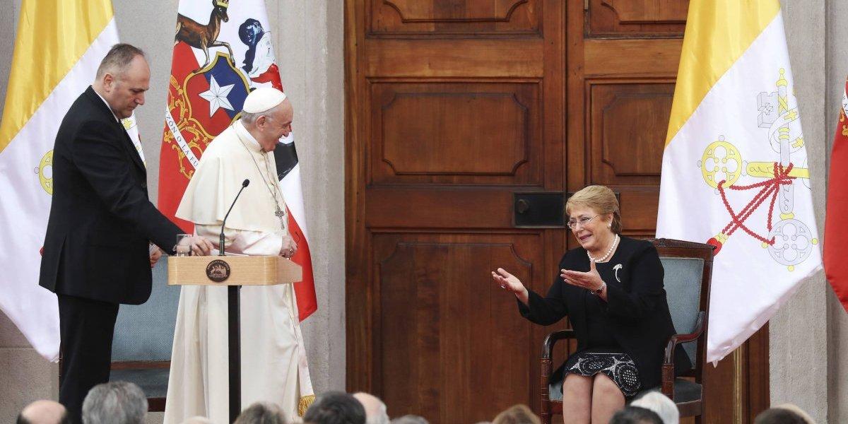 Papa Francisco pide perdón por abusos sexuales en la iglesia chilena
