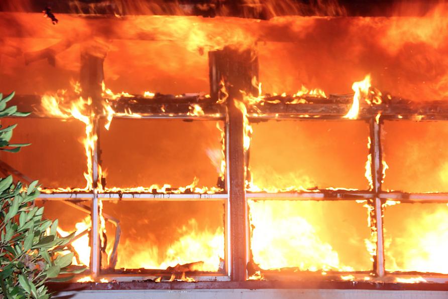Incendio afecta a iglesia y escuela en zona de Collipulli