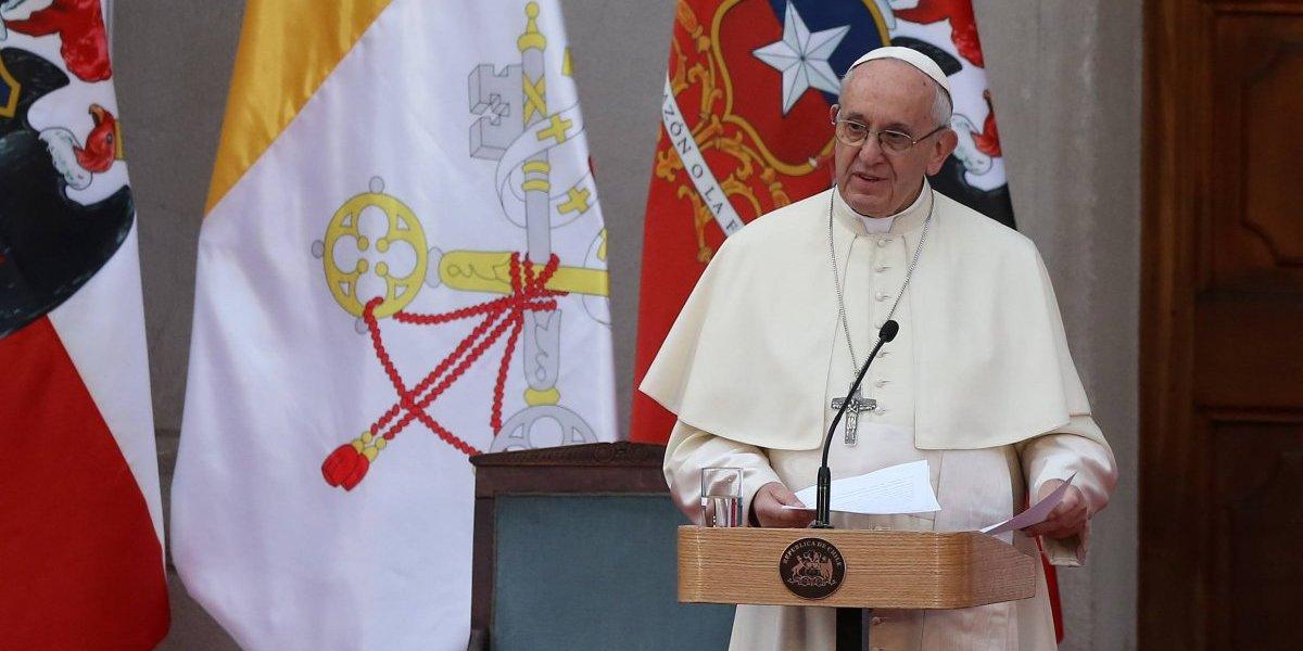 El perdón de Francisco es opacado por Barros