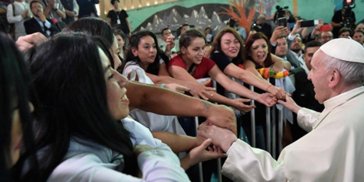 """Papa Francisco en la cárcel de mujeres: """"Nadie puede ser privado de la dignidad"""""""