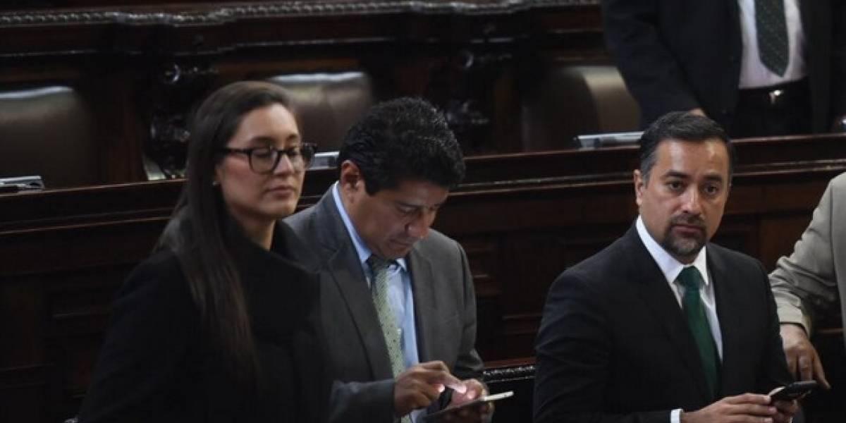 Bancadas no descartan unirse para lograr una oposición representativa