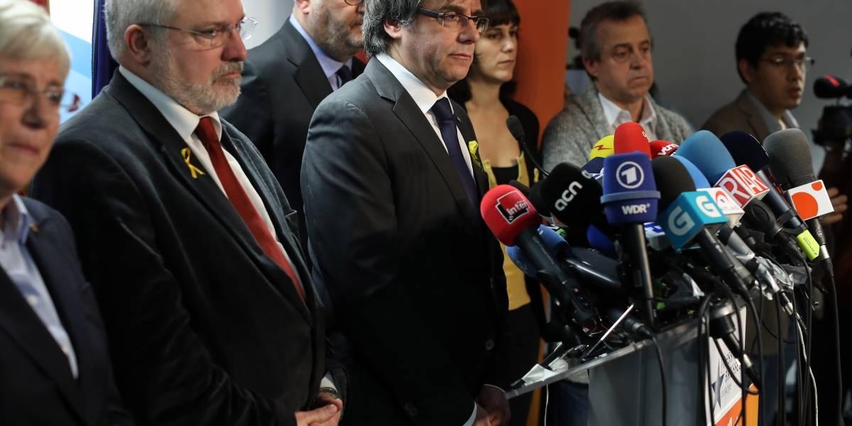 Independentistas en Cataluña proponen a Puigdemont como nuevo presidente