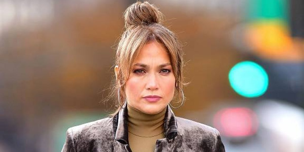 Jennifer López es criticada por la terrible edición que le hicieron a su derrière