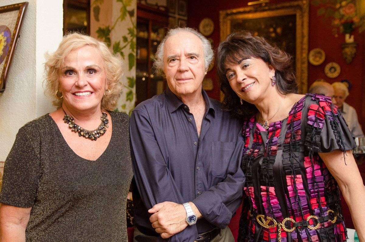 Maria Inêz e Flávio Modenesi com Maria Elvira Ton Netos