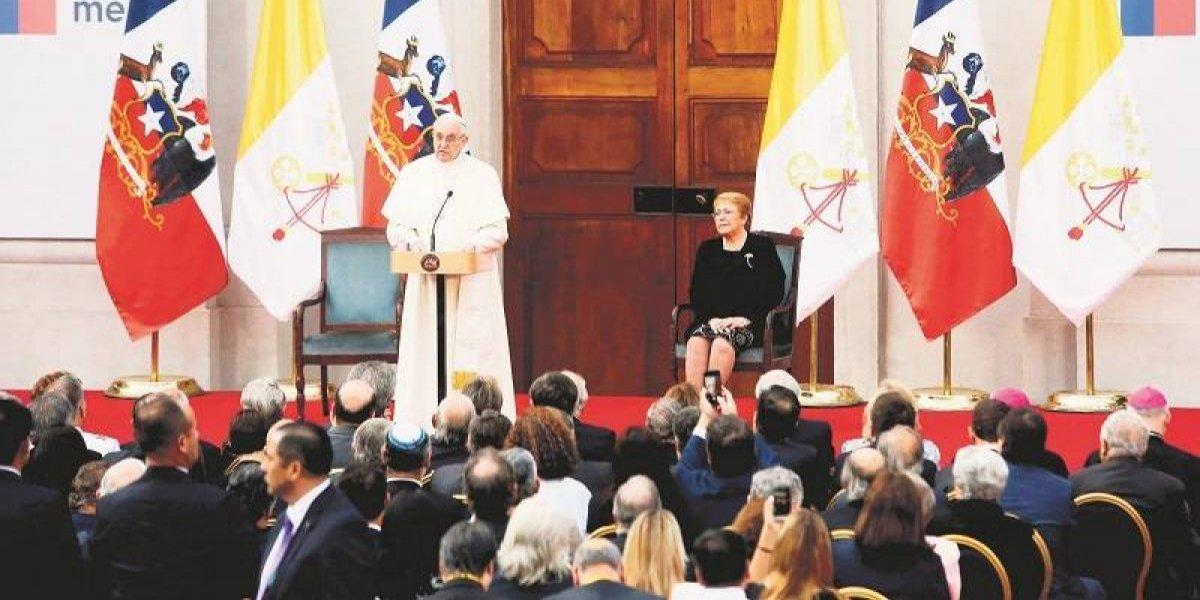 """¿Por qué se considera tan """"arriesgada"""" la visita del Papa Francisco a Chile?"""